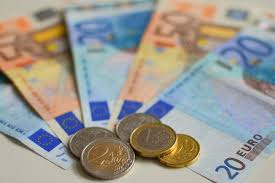 Note sulla moneta tra soggettività e reddito garantito