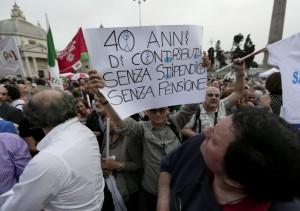La piazza è del popolo, Renzi vattene!